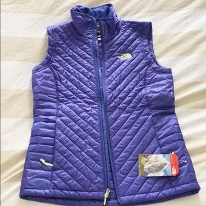 NWT NORTH FACE women's puffer vest sz Small